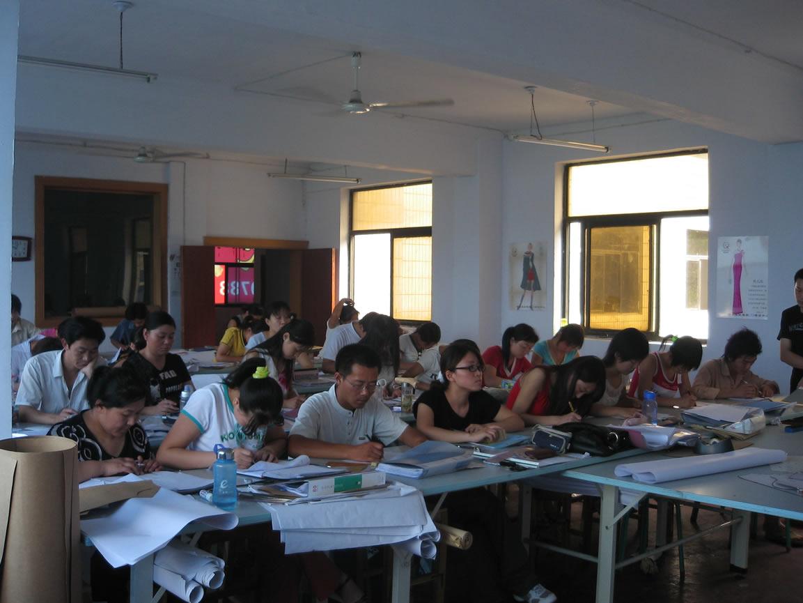 学校环境 - 河南省服装协会设计师培训中心