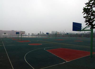 校园篮球场