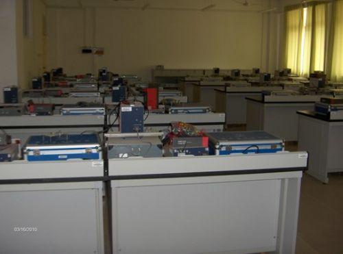 安徽涉外经济职业学院电工电路实验室