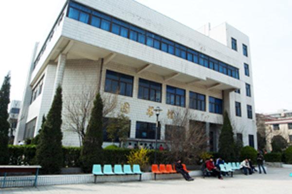 谁知道郑州工业贸易学校怎么样?好不好?特差吗?
